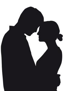 Un couple/amoureux/silhouette